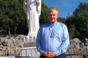 Kirner Antal Zoltán volt celldömölki plébánosért is imádkoznak.