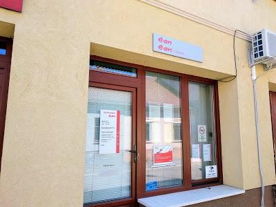 Fokozatosan nyitja újra ügyfélszolgálati irodáit az E.ON