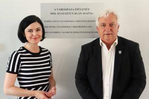 Celldömölkre látogatott Kunhalmi Ágnes, az MSZP társelnöke, és Karácsony Gergely, Budapest Főpolgármestere, az MSZP-Párbeszéd miniszterelnök-jelöltje.